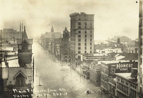Main Street in Dayton, 1913 (Dayton Metro Library, Montgomery County Picture File #806)