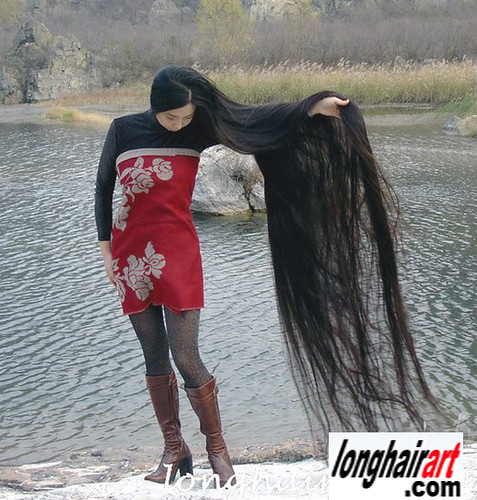 6 long hair Girl  long hair lady   long ponytail   longest hair   long hair women in china     by longhairart.com
