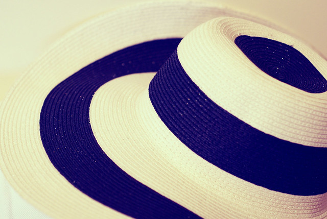 beach hat - stripes