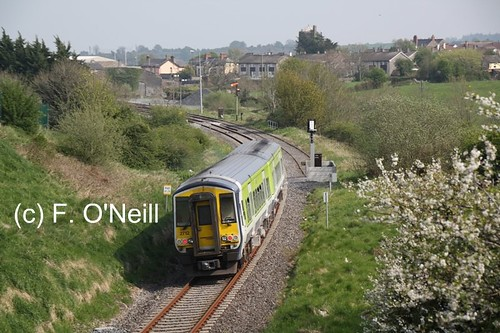 ireland irish green train diesel rail railway trains railcar commuter 2711 railways regional 2712 dmu multipleunit ié 2car gecalsthom 2700class finbarroneill finnyus