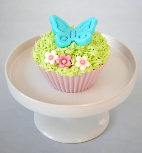 Mint Choc Chip Easter Cupcake
