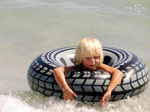Kids-Ibiza beach