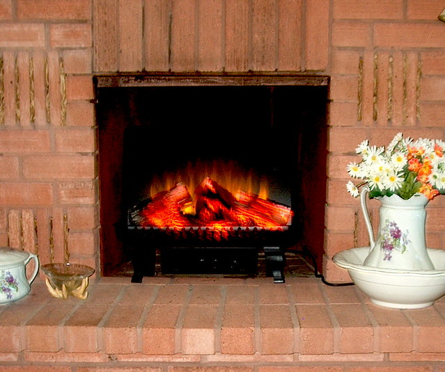 classicflame 24 electric fireplace insert log set