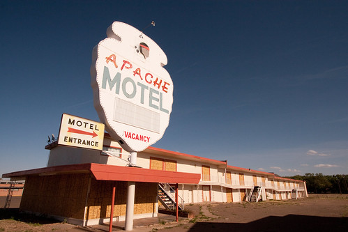 Apache Motel - Route 66