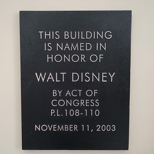 ポストオフィスの中にはこんな銘板が。