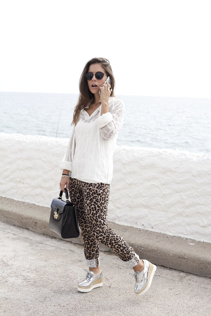 04_Highly_preppy_blouse_and_leopard_pants