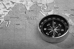 compass, tool, monochrome photography, circle, monochrome, black-and-white,