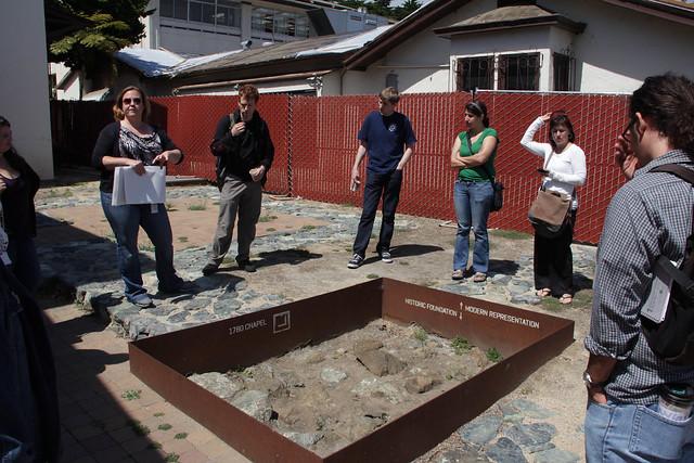 Liz Clevenger gives students details about El Presidio de San Francisco as part of the Anthro 136e course