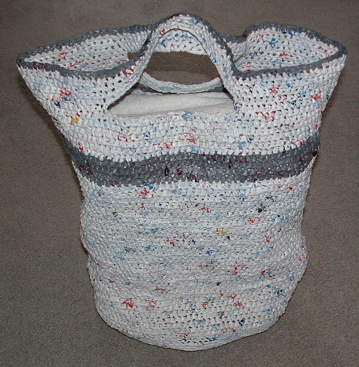 Free Crochet Patterns Plarn Bags : Plarn Laundry Basket My Recycled Bags.com