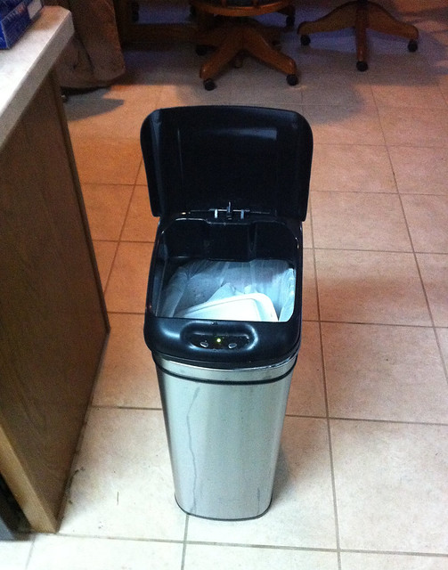 iTouchless Trashcan