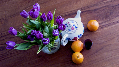 kitchen table - tulips, oranges and boerenbont teapot