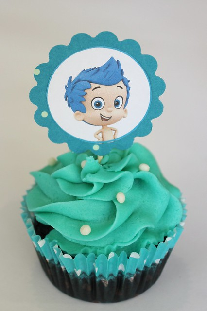 Bubble Guppies Cupcake
