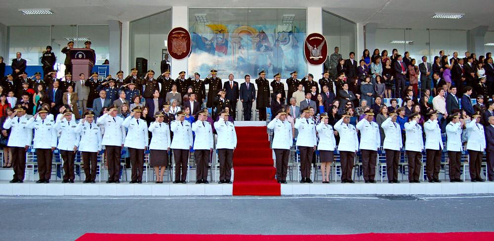La polic a nacional cuenta con 24 nuevos coroneles for Ministerio del interior ecuador