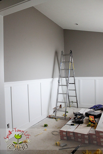 Half Wall Wood Paneling: Our Small-Town Idaho Life: HOW TO BUILD A (cheaper) BOARD