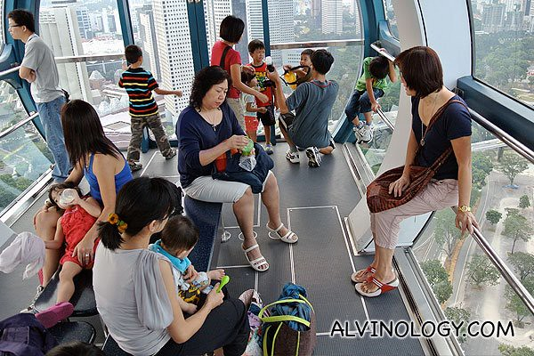 Inside the Singapore Flyer capsule