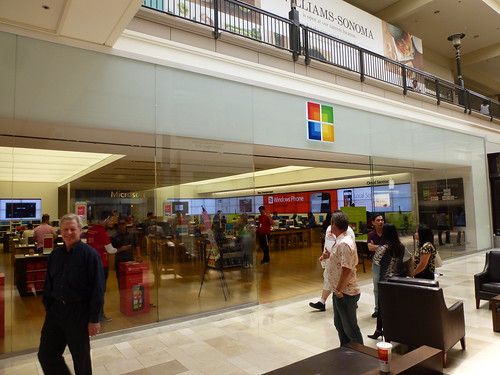 Microsoft Store in Westfield Valley Fair Mall, Santa Clara by textlad
