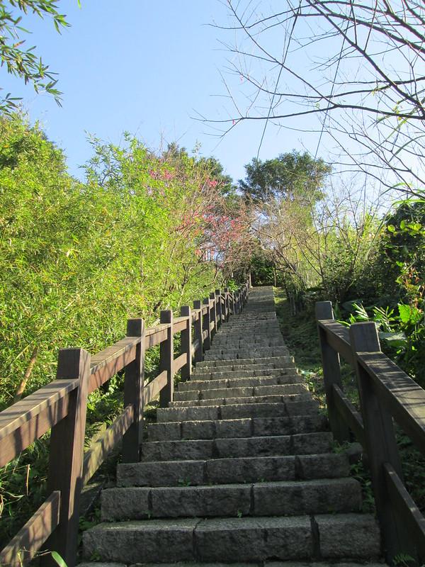 停戰紀念公園下方的登山步道