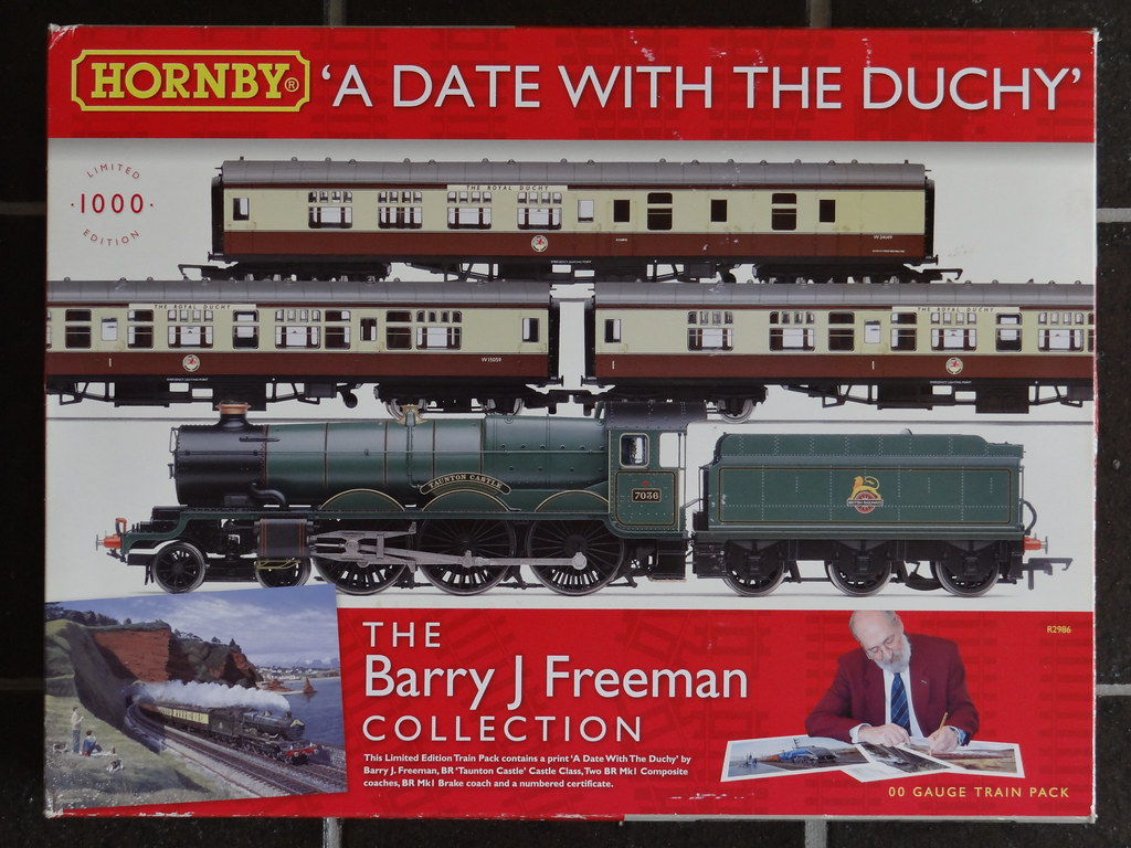 Hornby Hobbies online and 7036 Taunton Castle – and the rear