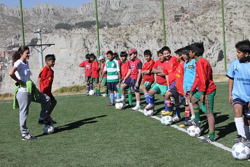 Programa de fútbol formativo en La Paz, El Alto y Santa Cruz