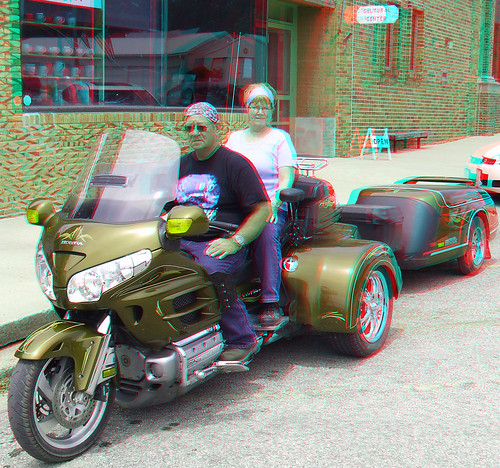 people stereoscopic stereophoto bikes anaglyph iowa motorcycle fatboyz anaglyphs moorhead redcyan 3dimages 3dphoto 3dphotos 3dpictures stereopicture fujiw3