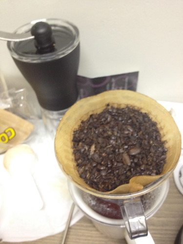 Grinding coffee bean with hand mill - 1st