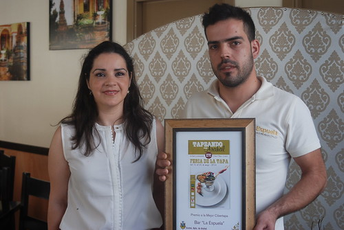 "AionSur 14169191449_ccd1e1a85a_d Gastrobar La Espuela recibe el primer premio del concurso 'Cibertapa' por su ""Cubilete de verduras"" Feria de La Tapa"