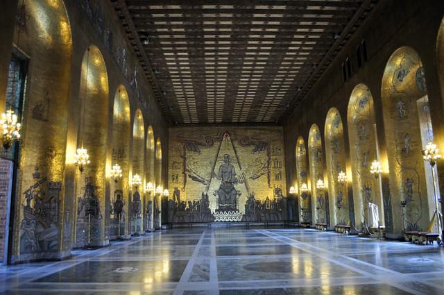 Interior del Ayuntamiento de Estocolmo qué hacer en estocolmo - 14242896443 56f9e804c1 z - Qué hacer en Estocolmo para sentir Suecia