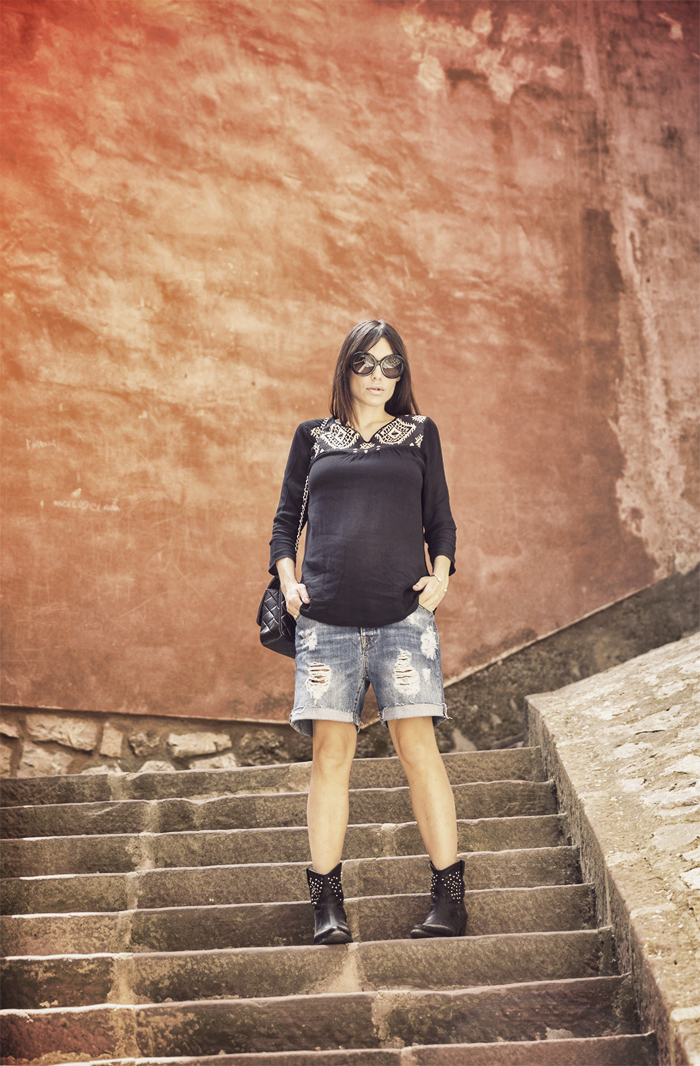 street style barbara cerspo albarracon teruel village fashion blogger blog de moda outfit the corner shop boyfriend shorts