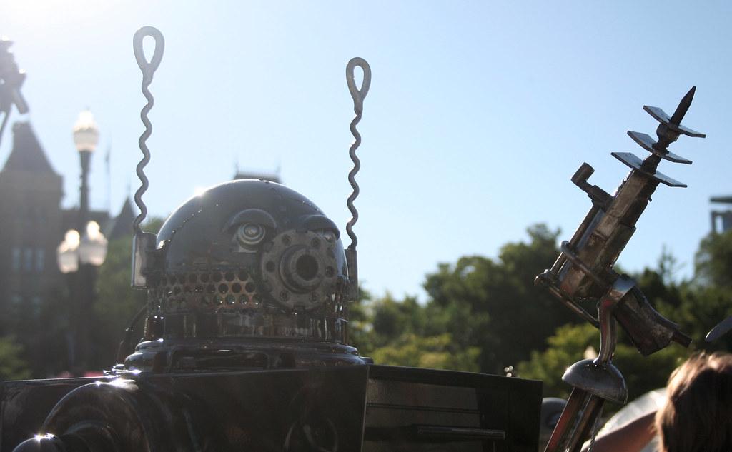 Robot with ray gun