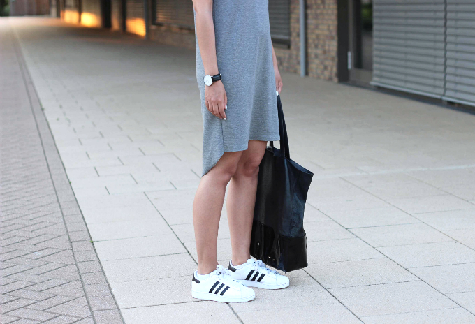 Outfit-adidas-white-superstar-trend