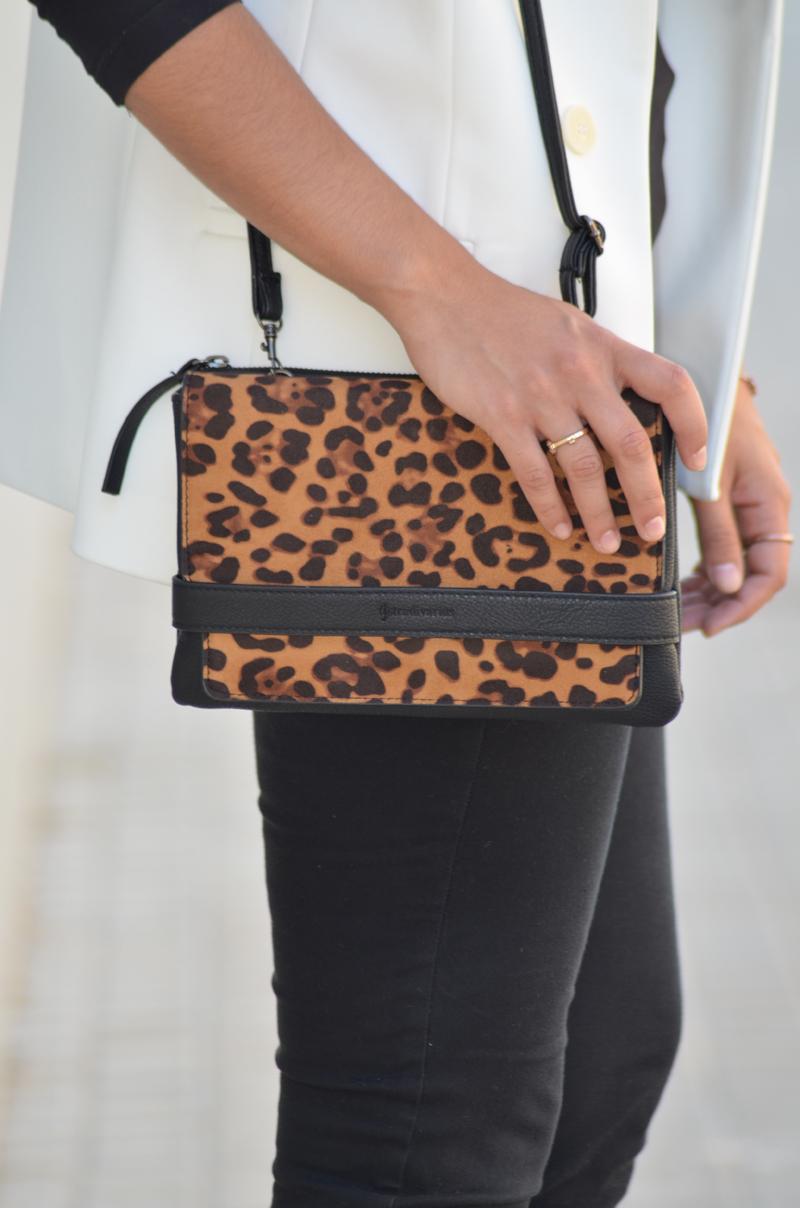 florenciablog total black look chaleco blanco como llevar chalecos leopard print stradivarius  (12)