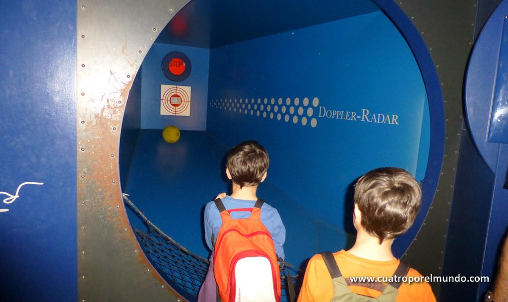 Midiendo la velocidad a la que tiramos la pelota con un radar Doppler