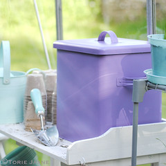 Spray painted compost tin