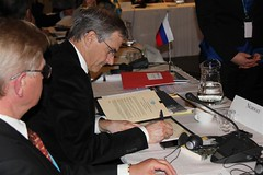 Jonas Gahr Støre signing the Nuuk Declaration