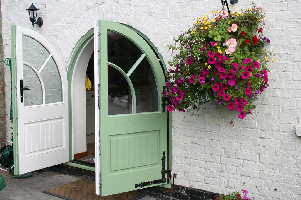 ARCHED DOOR IN WOOD ... & New Front Doors.co.uk   Admiral Homespace