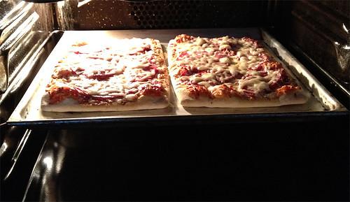 Mama Mancini Familienpizza Salami - im Ofen