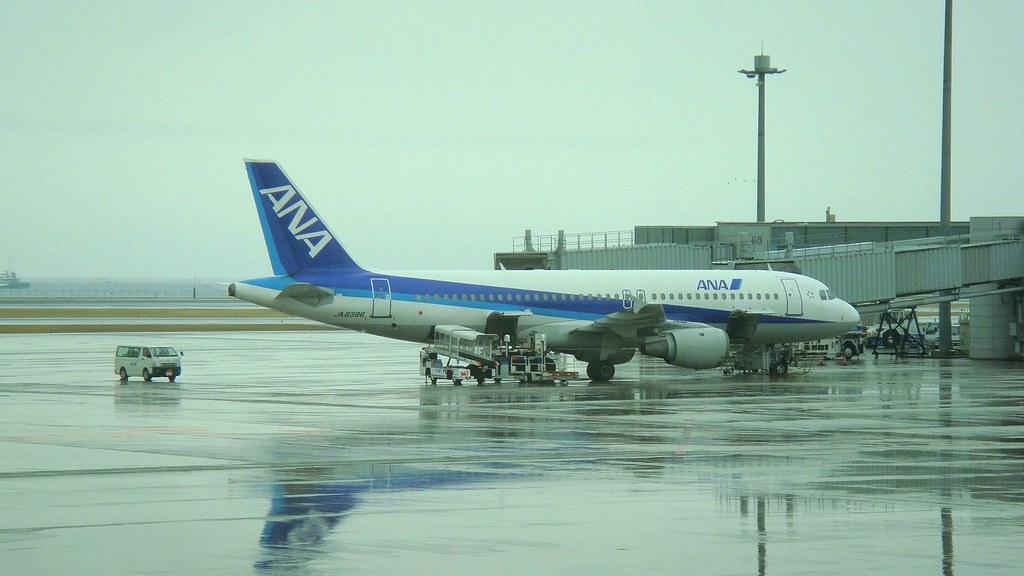 ANA Airbus A320 (JA8386), Terminal 2, Haneda Airport