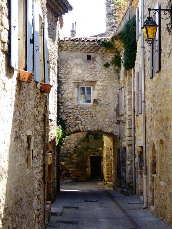Medieval streets, Cruas