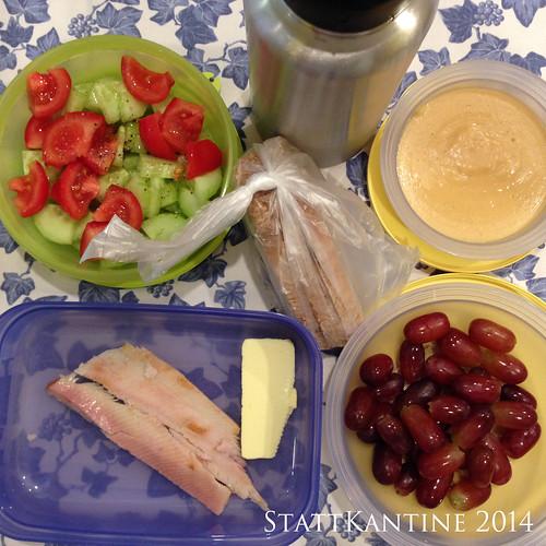 StattKantine 13.05.14 - Forellenfilets, Pudding, Trauben