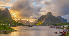 Late evening at Reine.