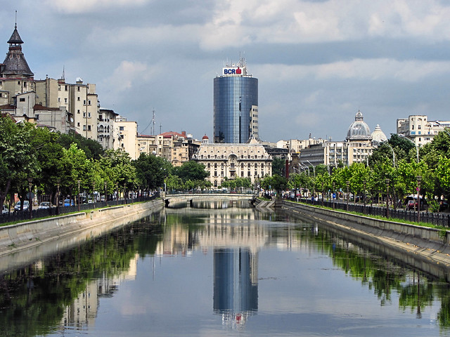 Bucharest by CC user alexpanoiu on flickr