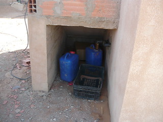 Collection tanks for urine