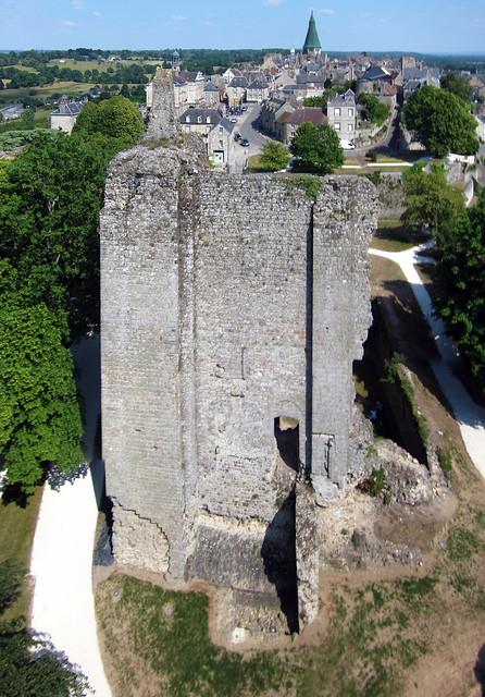 Château de Domfront (Orne-FR)