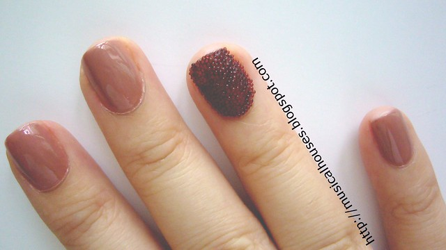 ciate caviar manicure inspired look 5