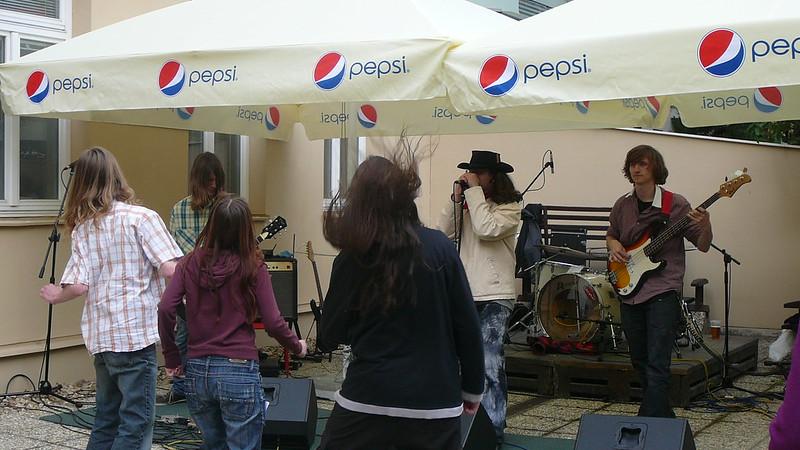 Kapelu Groundkeeper podpořila skupinka skalních fanoušků. Foto: Adéla Procházková