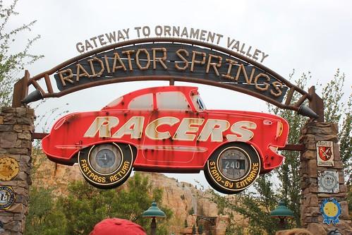 Radiator Springs Racers opening day line