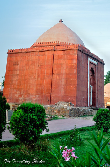 Lal Gumbad (1)