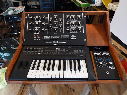 macbeth m3x / moog ring modulator up 2 by David Grohmann