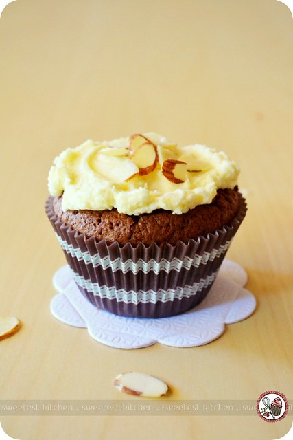 Flourless Chocolate Cupcakes With Salted Almond Frosting | Flickr ...