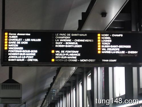นั่งรถไฟไป Disneyland Paris